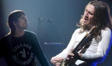 John Frusciante regresa a los Red Hot Chili Peppers