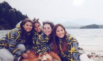 Amparo con sus amigas disfrutando Bariloche