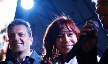 Sergio Massa y Cristina Kirchner congelaron por seis meses los sueldos de los diputados y senadores