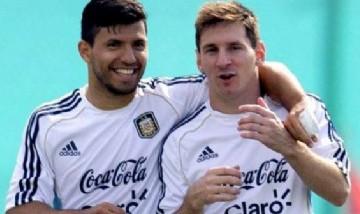 El Kun y Messi separados pero juntos