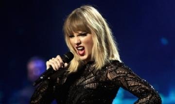 """Taylor Swift estrenó video de """"Lover"""" canción de su nuevo disco"""