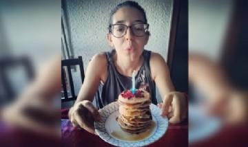 María festejando su cumpleaños en Picaña, España.
