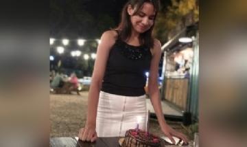 Mari festejando su cumpleaños en Rosario, Santa Fe.