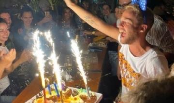 Nico festejando su cumple con todo en Córdoba.