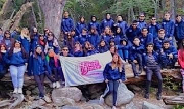 Matty y sus amigos de viaje en Bariloche.