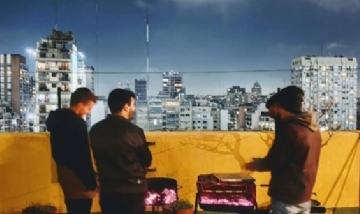 Nacho y sus amigos de asado en CABA.