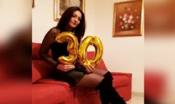 Ilenia festejando sus 30 en Sardegna, Italia.
