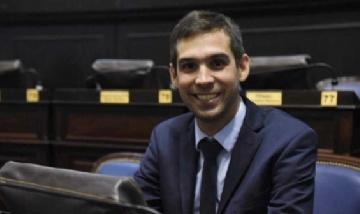 Diputado millennial busca bajar la edad para ser concejal en la provincia de Buenos Aires
