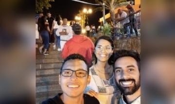 Mónica de peña con amigos desde Guayaquil, Ecuador.