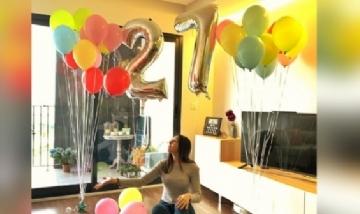 Noelia festejando su cumple en cuarentenan desde Elche, Murcia.