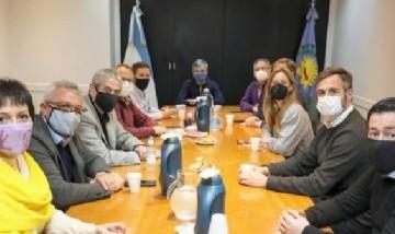 Mayra Mendoza e intendentes bonaerenses participaron en un encuentro por el retorno de las clases