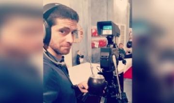 Ignacio mateando mientras trabaja en Lecce, Italia.
