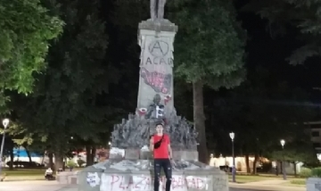 Ignacio recorriendo la noche de Chile.