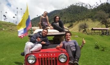 Nacho y sus amigos en Valle del Cocora, Colombia.-