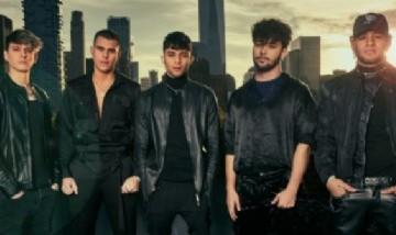 """CNCO lanza """"Hero"""", la tercera canción de su último álbum """"Deja Vu"""""""