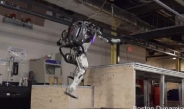 """Atlas el robot que ejecuta piruetas """"humanas"""""""