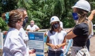 Malena Galmarini recorrió en Tigre la nueva obra de red de agua del Barrio Parque Guazu-Nambi
