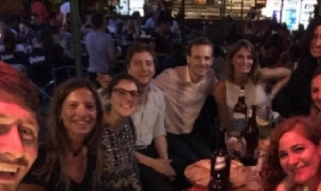 Nico y sus amigos de peña en Posadas, Misiones.
