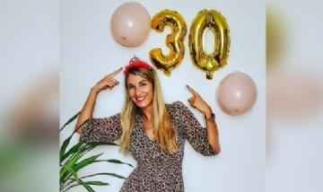 Natalie festejando sus 30 en Mallorca, España.