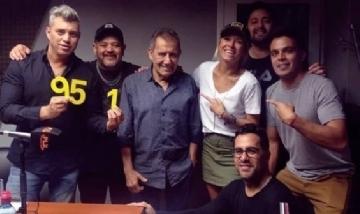 Eze y sus compañeros de FM Pulso desde Cosquín, Córdoba.