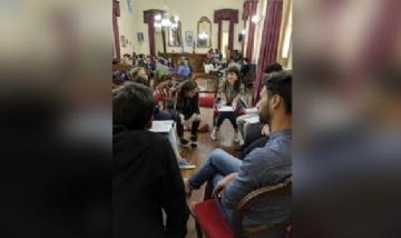 """Dip. Fernanda Díaz participando del encuentro """"Jóvenes Protagonistas"""" en Colón, Buenos Aires."""