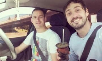 Santi y Su amigo, Remanso, Pilar