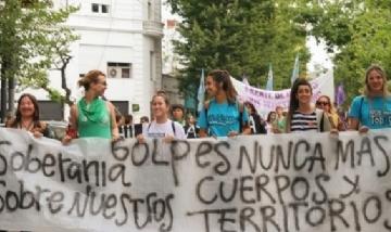 Marcha por la violencia contra las mujeres en La Plata
