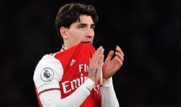 """El innovador proyecto de un futbolista del Arsenal: """"Tres mil árboles por cada triunfo"""""""