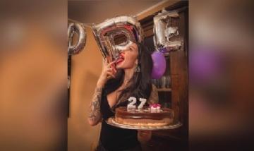 Audrey festejando sus 27 en Italia.
