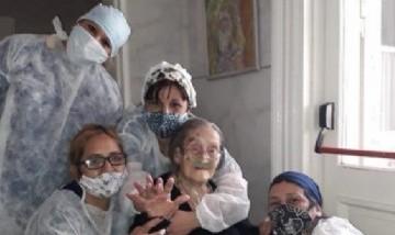 Una abuela de 109 años venció al coronavirus y espera para poder festejar su cumpleaños 110
