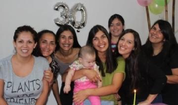 Eve festejando sus 30 con amigas desde La Rioja.