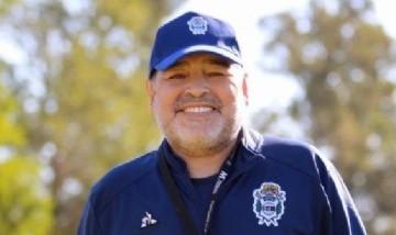 Diego Maradona presentó a la nueva integrante de su familia