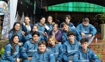 Los chicos de 5to Eco TT del Colegio Santa Catalina de Posadas, Misiones.