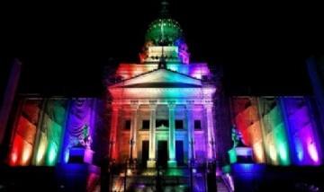 Se celebran 10 años desde la sanción de la ley de matrimonio igualitario en Argentina