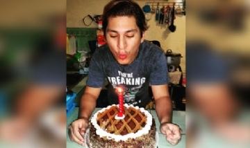 Bryan festejando su cumpleaños en Guayaqil, Ecuador.