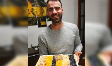 Gustavo festejando sus 33 en Cádiz, España.